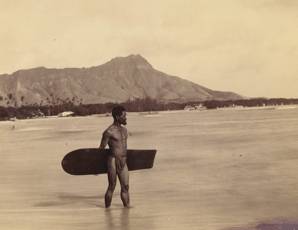 By HAWAII Magazine, from the Bishop Museum, Public Domain, https://commons.wikimedia.org/w/index.php?curid=12771614